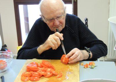 La découpe des tomates