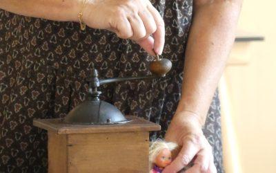 «Zoë conteuse» anime des objets «chers» à la mémoire de nos anciens.